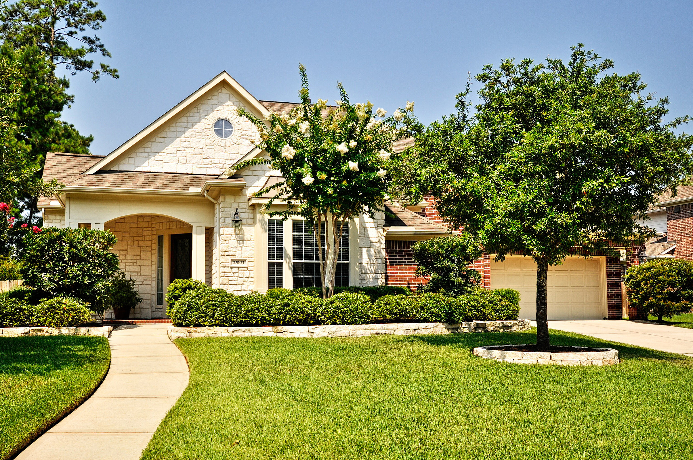 Available listing 25103 genesse valley dr spring tx for Cypress house